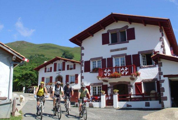 LaRébenne - La Traversée du Pays Basque en VTT