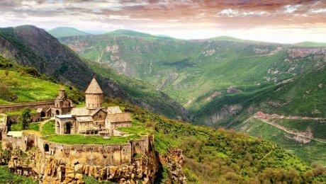 LaRébenne - Randonnée - Arménie (Monastere de Tatev)