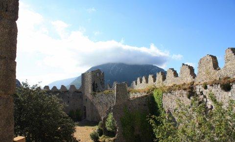LaRébenne - Enceinte chateau sur Sentier Cathare
